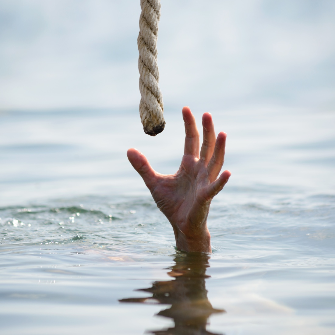 DROWNING ROPE IMAGE